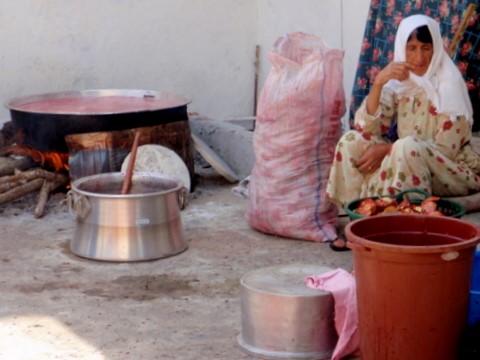 Büyük bir fotoğrafçı gurubu Mu Cang Chai'de tripodları ile fotoğraf çekmek için konuşlanıyorlar. (Fotoğraf: Mike Pollock)